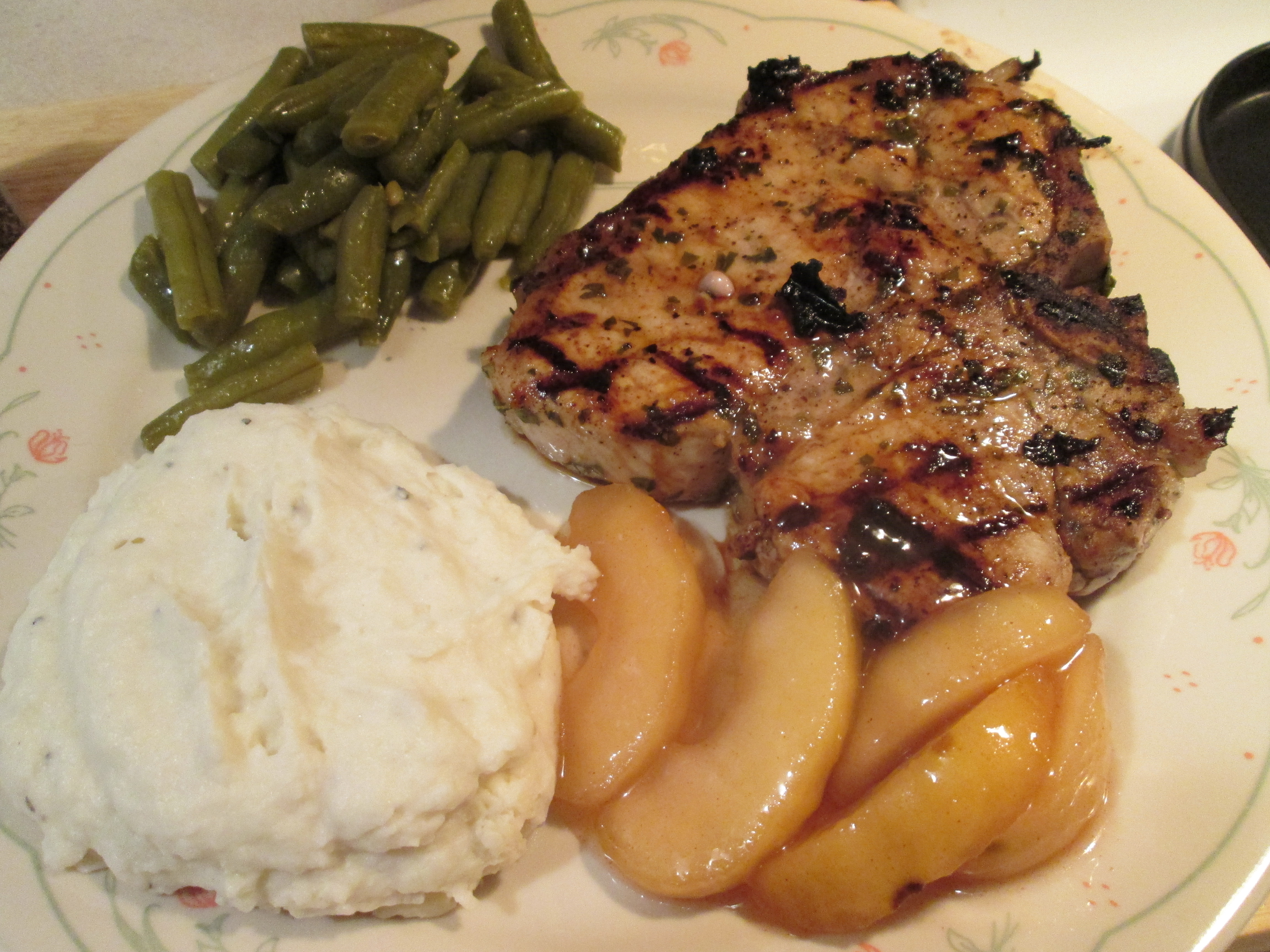 Today's Menu: Herbed Pork Chops w/ Mashed Potatoes, Green Beans ...