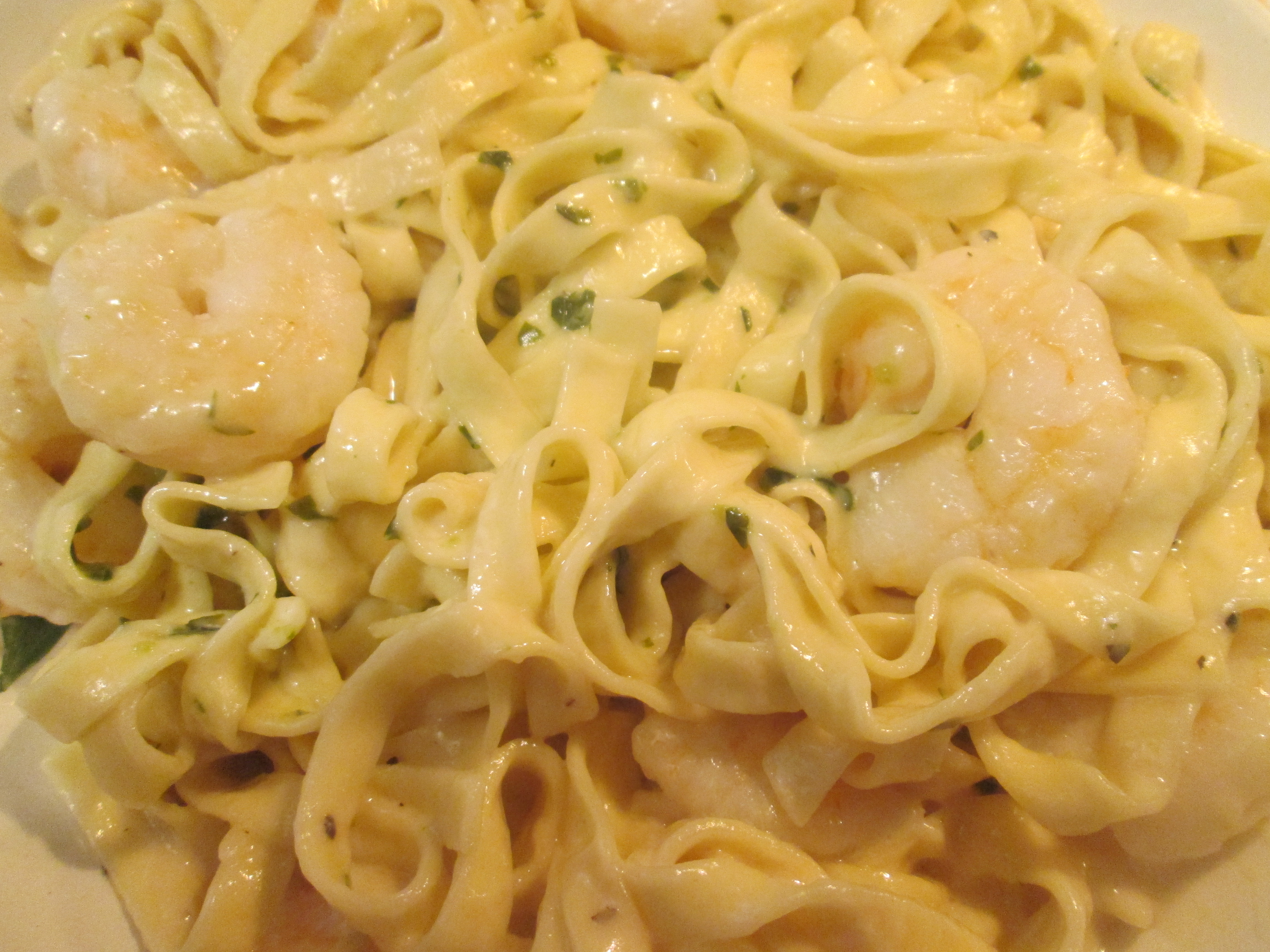 recipe: shrimp fettuccine with velveeta and cream of mushroom [20]