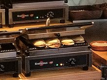 Professional cast-iron panini machine