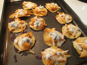 Buffalo Chicken Nachos Grande 005