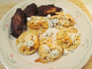 Buffalo Chicken Nachos Smokey BBQ Wings 004