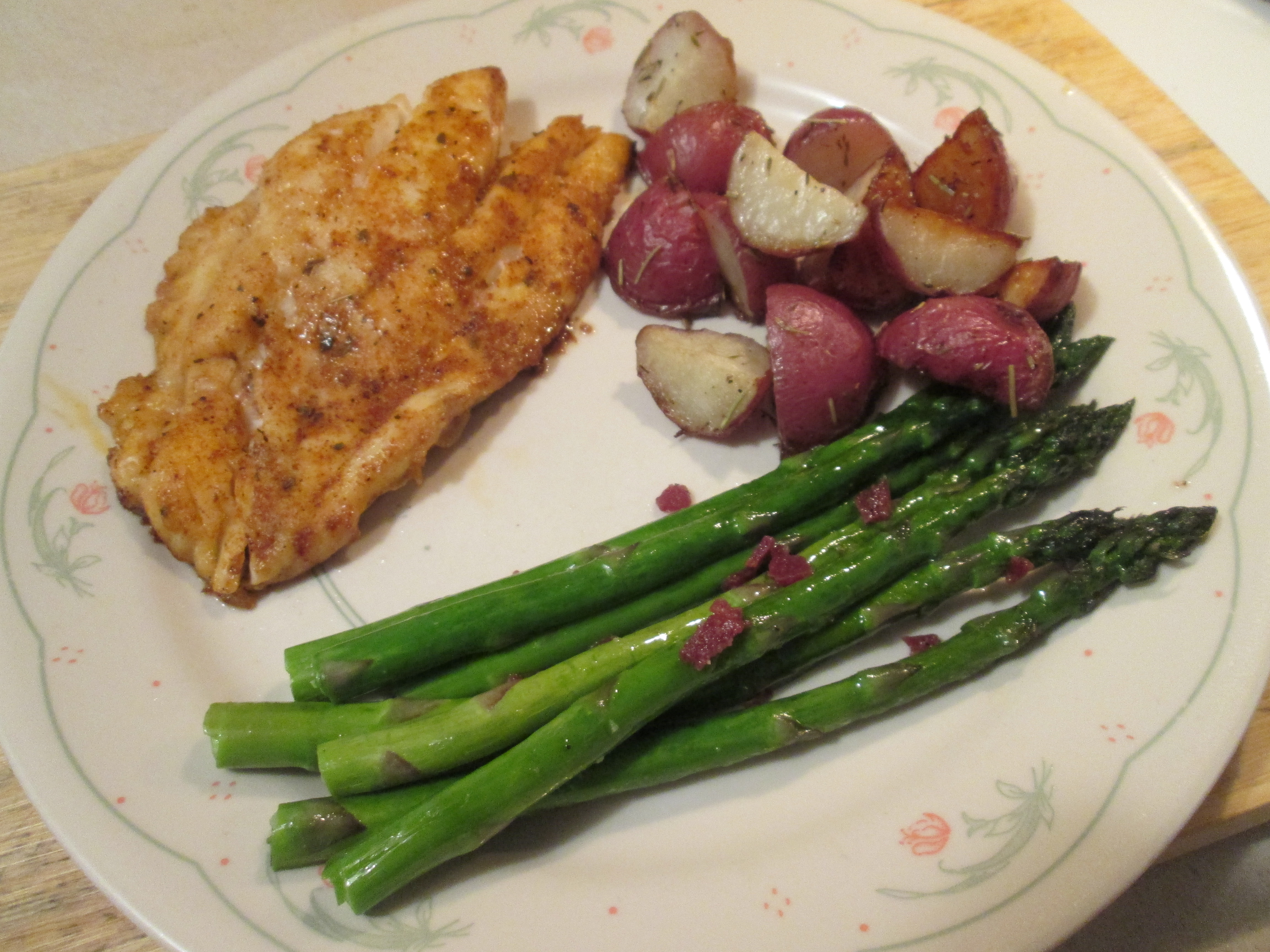 Grouper Roasted Red Pot Asparagus 004 Roasted Red Potatoes And How To Cook  Asparagus Cast Iron
