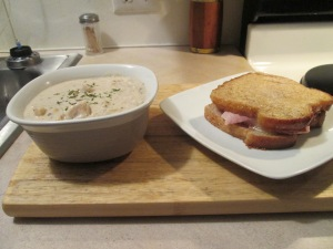 Grilled Ham and Swiss Pot Soup 005
