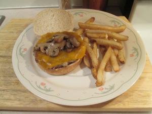 Mushroom Cheddar Turkey Burger 002