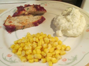 Turkey Meatloaf Mashed Potatoes corn 005