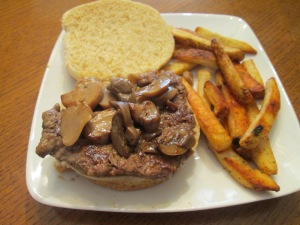 Mushrooms Cubed Steak Sandwich 008
