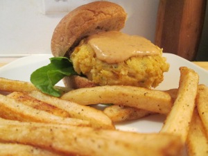 Crab Cake Sliders Fries 007