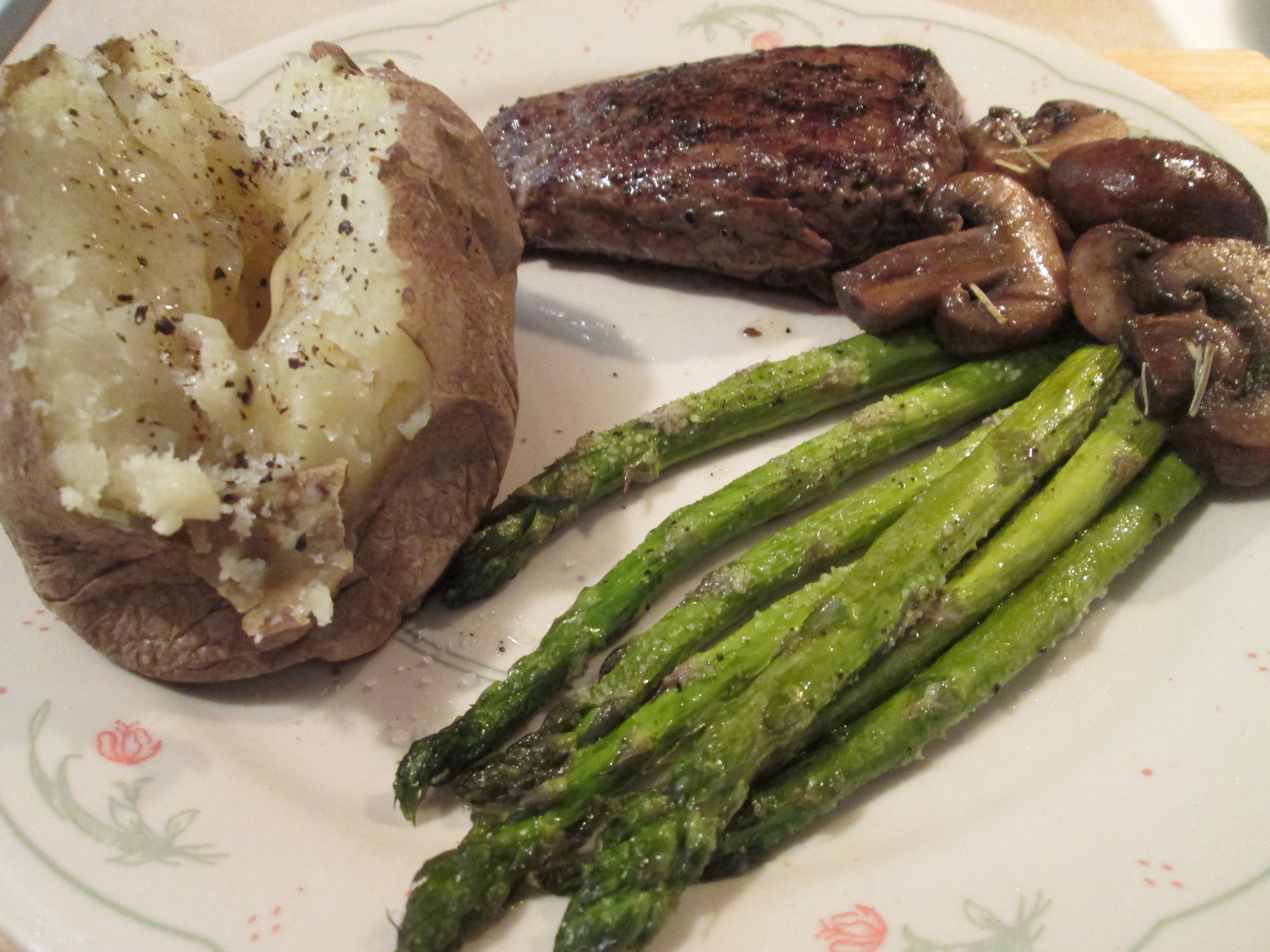 Bison Sirloin Steak w/ Sauteed Mushrooms, Roasted Asparagus, and Baked ...