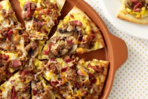 Jennie - O Turkey Bacon & Sausage Breakfast Pizza