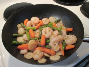 Shrimp and Asparagus Stir Fry 001