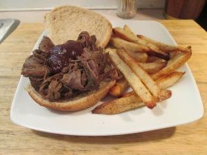 Pulled Buffalo Chuck Roast Sandwich 001