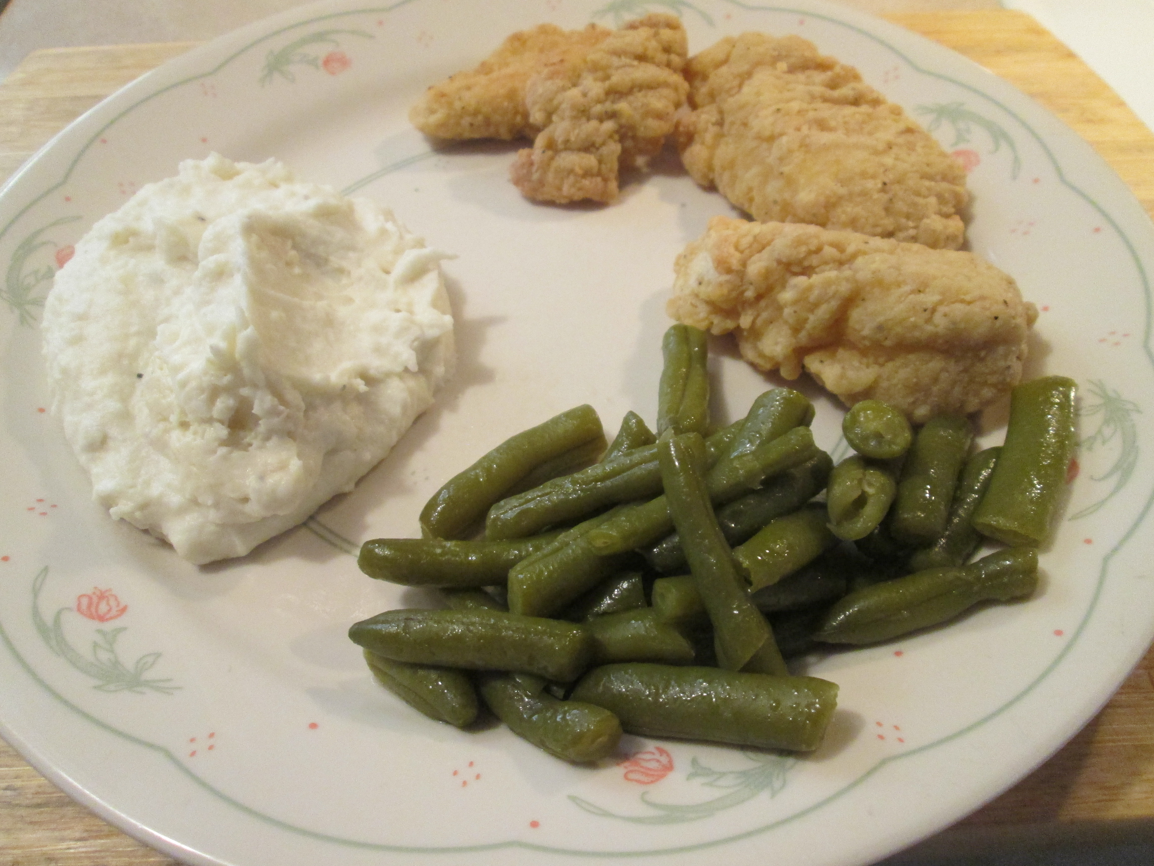 Chicken Breast Strips W Cut Green Beans And Mashed Potatoes My