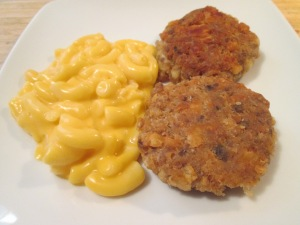 Salmon Patties Mac and Cheese 006