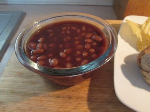 Bluegrass Lean Bratwurst w BBQ Baked Beans 002