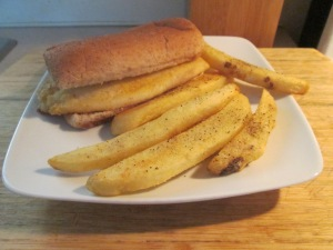 Seasoned Tilapia Sandwich w Baked Steak Fries 005
