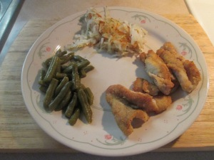 Catfish Nuggets w Hash Browns and Cut Green Beans 007
