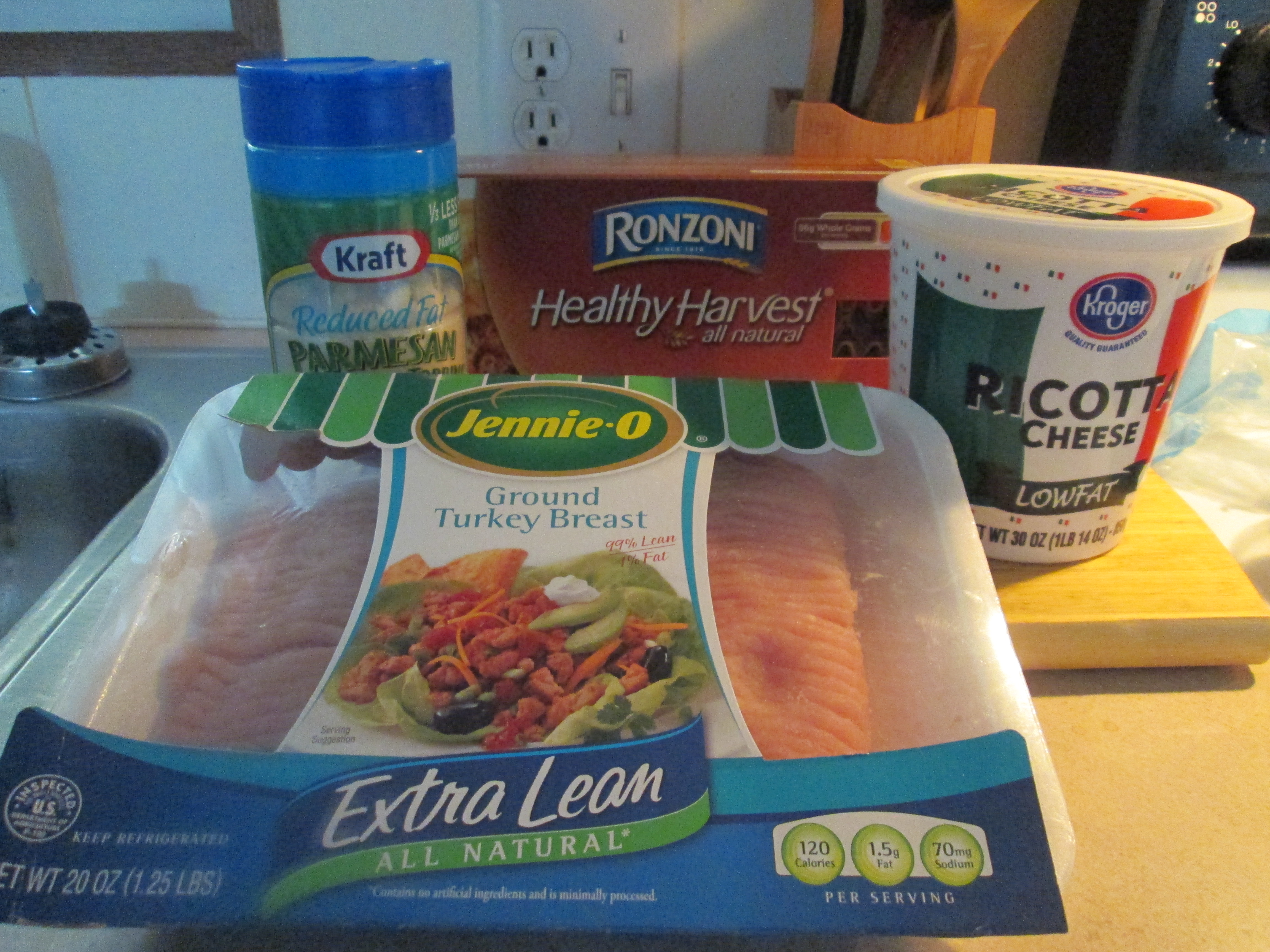 Healthy Harvest Turkey Lasagna And Baked French Bread 002