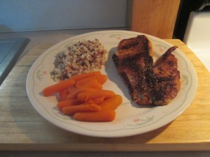 Blackened Gulf Coast Grouper w Multi Grain Medley and Baby Carro 008