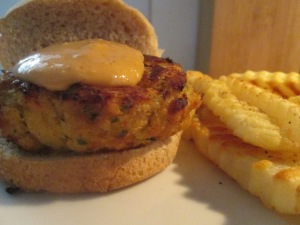 Crab Cake Slider w Baked Fries 005