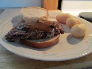 Cubed Steak Sandwich w New Potatoes 011