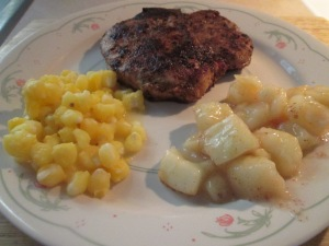 Cumin Spiced Pork Chops w Golden Hominy and Harvest Apples 010