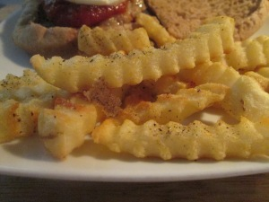 Italian Turkey Burger w Baked Crinkle Fries 006
