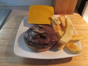 Sharp Cheddar and Mushroom Buffalo Burger 001