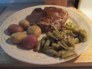 Cumin Spiced Pork Chops w Savory Herb Potatoes and Cut Green Bea 016
