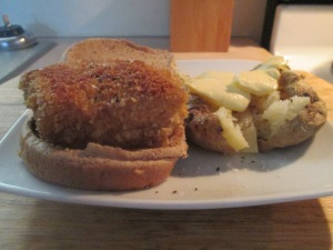 Panko Crusted Cod Fish Sandwich w Baked Potato 012
