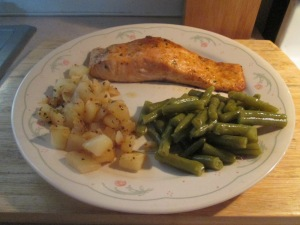 Thai Chili Seasoned Baked Salmon w Steakhouse Seasoned Diced Pot 005
