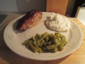 BBQ Country Style Ribs w Mashed Potatoes, Green Beans, and Baked 007