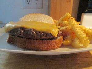 Buffalo Cheese Burger w Baked Fries 006