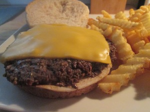 Buffalo Cheese Burger w Baked Fries 010