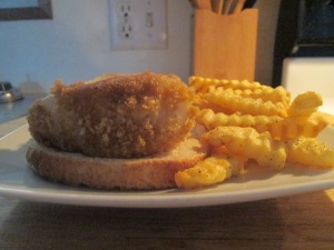Panko Crusted Cod Fish Sandwich w Baked Crinkle Fries 012