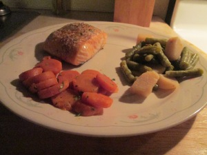 Baked Salmon w Cut Green Beans & Potatoes and Sliced Carrots 012
