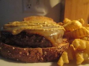 Buffalo Burger Pattie Melt w Potato Pancakes 005