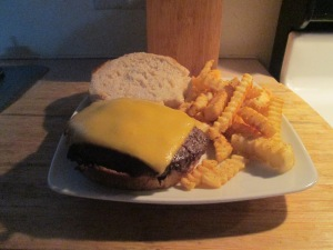 Buffalo Cheese Burger w Baked Fries 002