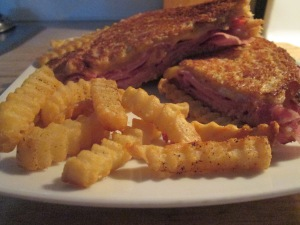 Grilled Ham and Cheese w Baked Crinkle Fries 013