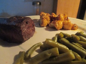 Buffalo Sirloin Steak w Buffalo Roasted Cauliflower and Cut Gree 012