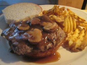 Cubed Steak Sandwich w Baked Waffle Fries 019