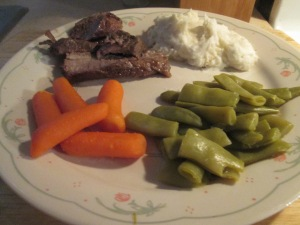 Tavern Style Pot Roast w Mashed Potatoes, Baby Carrots, and Cut 007