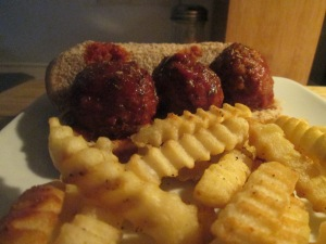 Turkey Meatball Mini Sub w Baked Crinkle Fries 007
