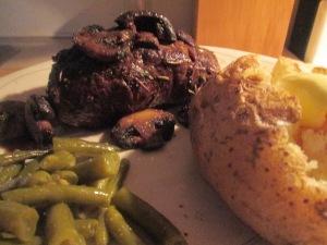 Buffalo 10 oz. New York Strip Steak w Baked Potato and Cut Green 005