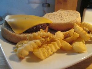 Cheddar Turkey Burger w Baked Fries 009