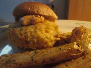 Crab Cake Slider w Roasted Finger Potatoes 009