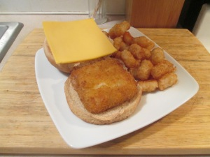 Fish Sandwich w Baked Tater Tots 002