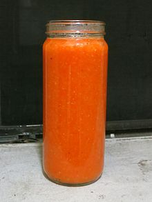 Habanero, bell pepper and garlic hot sauce