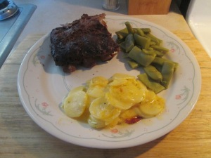 Crock Pot Pork Back Ribs w Potatoes Au Gratin and Cut Italian Gr 006