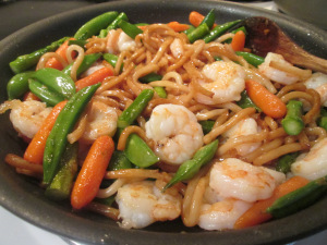 stir-fry-shrimp-with-udon-noodles-005