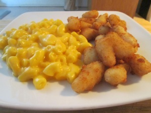 Shrimp Poppers w Mac and Cheese 005